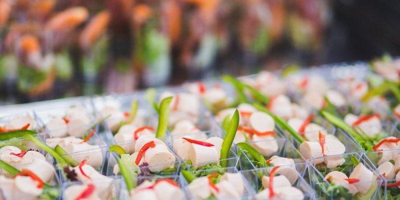 Anlita cateringfirma till företagsfesten